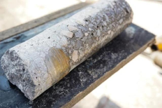 Carotte dans béton ACCROPODE - Test in ACCROPODE concrete
